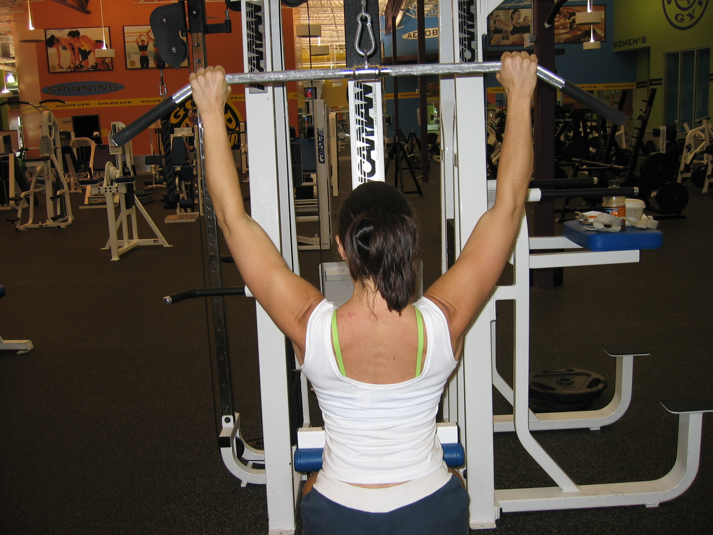 Low Cable Pull : Lat pulldown technique